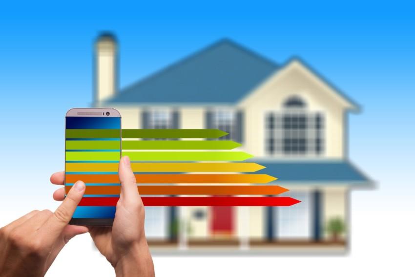 Mit Smart-Home-Lösungen das Haus energieeffizient umbauen, um Geld und Energie zu sparen