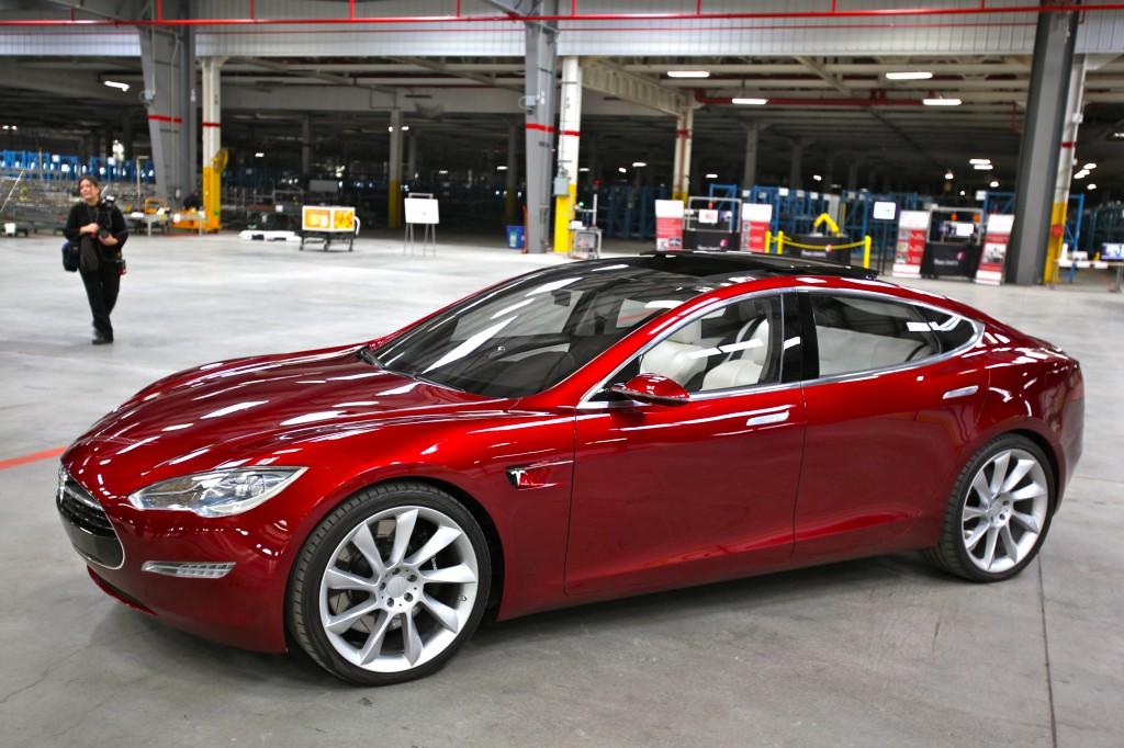 Tesla Model S rot Elektroauto