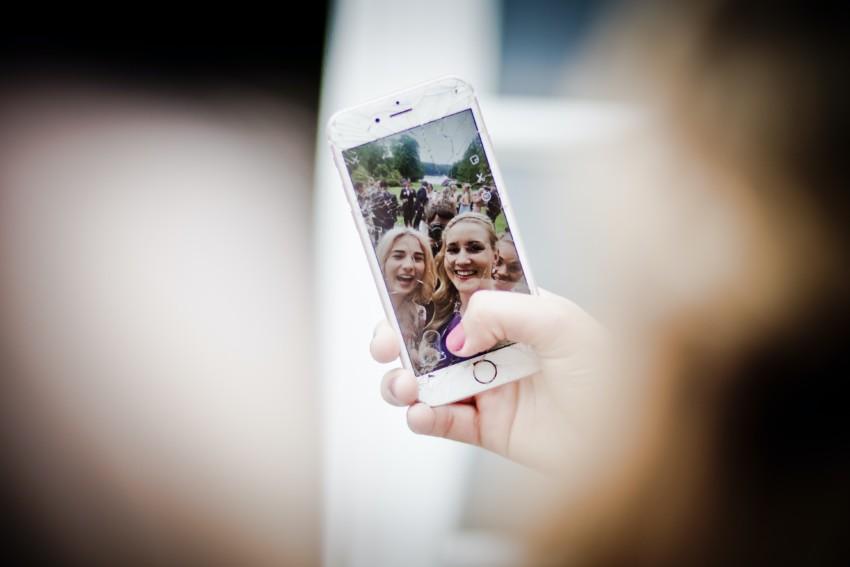 -panzerfolie-als-wirksamer-displayschutz-glasbruch-ohne-displayschutzfolie-bei-iphone